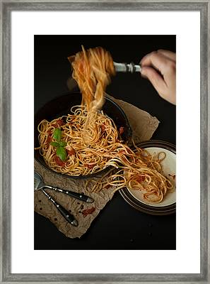 Linguine With Basil And Red Sauce In Cast Iron Pan Being Served Framed Print by Erin Cadigan