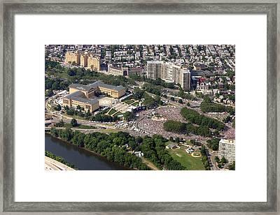Live 8 Concert Philadelphia Museum Of Art Framed Print by Duncan Pearson