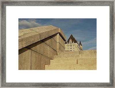Llegando Al Castillo Framed Print