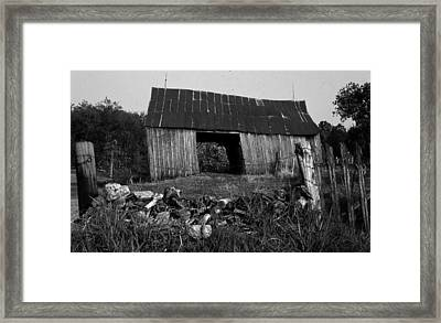 Lloyd-shanks-barn-4 Framed Print by Curtis J Neeley Jr