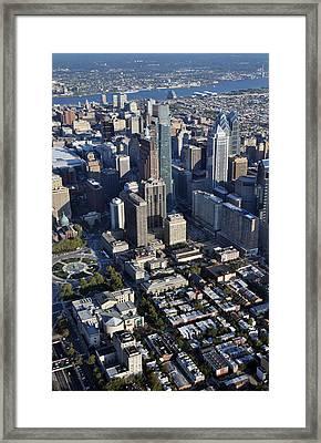 Logan Square Philadelphia Framed Print by Duncan Pearson