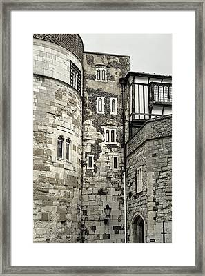 London Walls Bw Framed Print by Lutz Baar