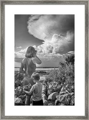 Framed Print featuring the photograph Look Out by Howard Salmon