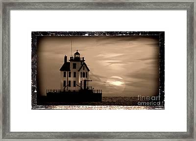 Lorain Lighthouse - Lake Erie - Lorain Ohio Framed Print