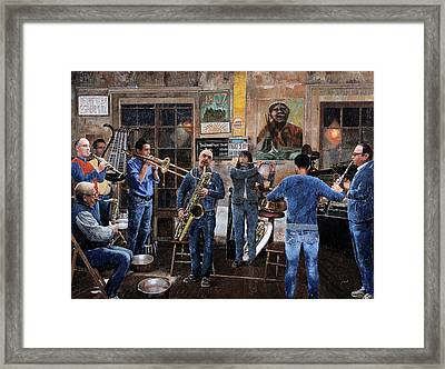 L'orchestra Framed Print by Guido Borelli