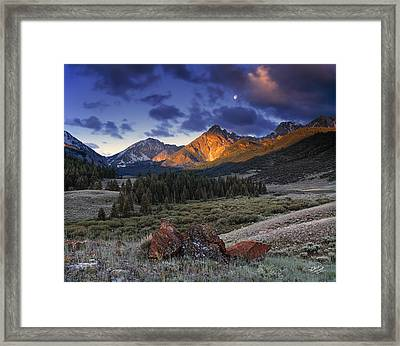 Lost River Mountains Moon Framed Print by Leland D Howard