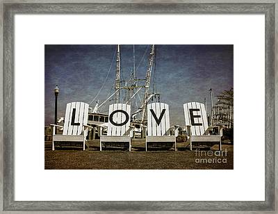 Love In The Park Framed Print by Tom Gari Gallery-Three-Photography