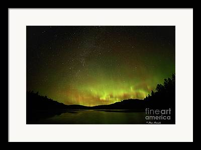 Aurore Boreal Framed Prints