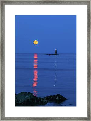 Framed Print featuring the photograph Maine The Way Life Should Be by Juergen Roth
