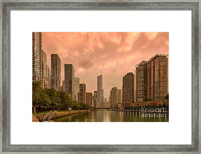Mammatus Cloud Action Over Chicago River - Chicago Illinois Framed Print