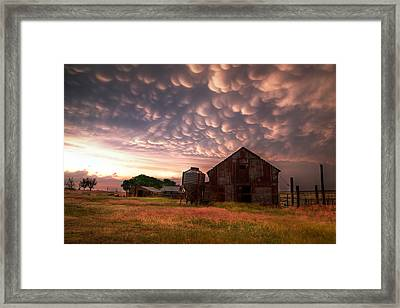 Mammatus Kansas Framed Print by Thomas Zimmerman