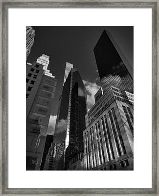 Manhattan - 5th Ave. 001 Bw Framed Print