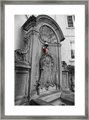 Manneken Pis Fountain Framed Print
