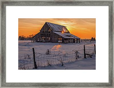 Framed Print featuring the photograph Mapleton Barn by Wesley Aston