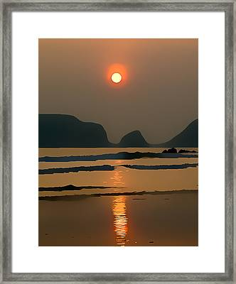 Marloes Sunset Framed Print by Gareth Davies