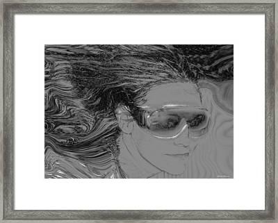 Me Framed Print by Linda Sannuti