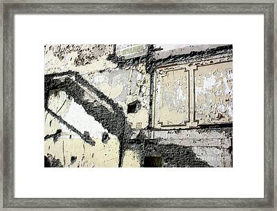 Medianera 2 Framed Print