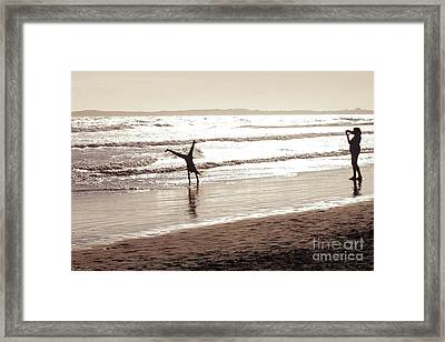 Memories Are Made Of This Framed Print by Linda Lees