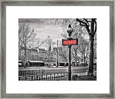 Metro Pont Marie 8x10 Framed Print