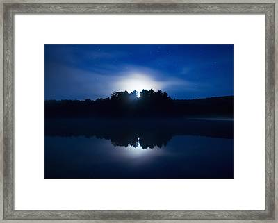 Mew Lake Moonset Framed Print by Cale Best