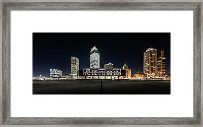 Framed Print featuring the photograph Milwaukee County War Memorial Center by Randy Scherkenbach
