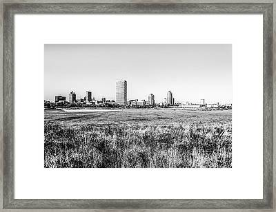 Milwaukee Skyline Black And White Picture Framed Print