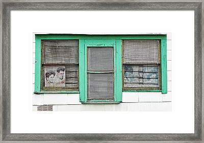 Mintys Barbershop Framed Print