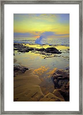 Framed Print featuring the photograph Mololkai Splash by Tara Turner