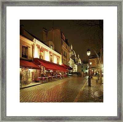 Montmartre District With Sacre-coeur At Night Framed Print by Gary Yeowell