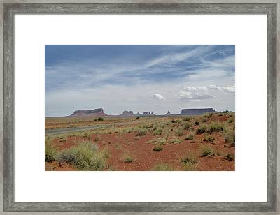 Monument Valley Horizon Framed Print by Gordon Beck