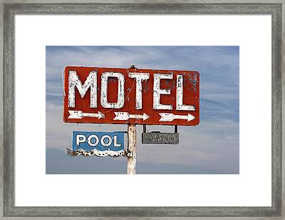 Motel And Pool Sign Route 66 Framed Print by Carol Leigh