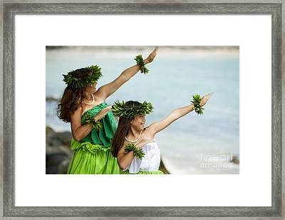 Mother Daughter Hula Framed Print by Ron Dahlquist - Printscapes