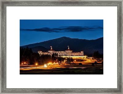 Mount Washington Hotel 9068 Framed Print by Dan Beauvais