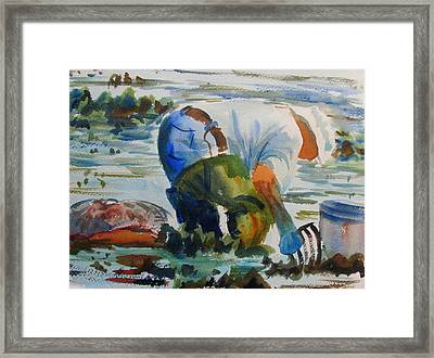 Mr. Clam Digger Framed Print by Linda Emerson