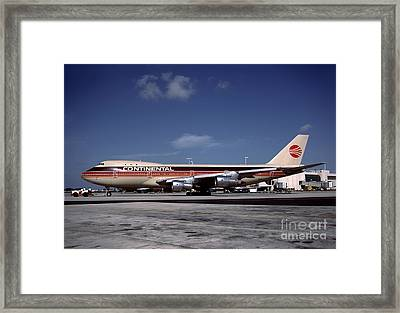 N17011, Continental Airlines, Boeing 747-143 Framed Print