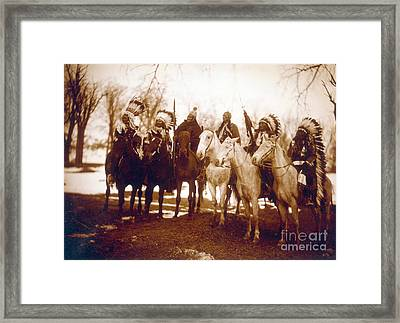 Native American Indian Tribal Leaders Framed Print by Science Source