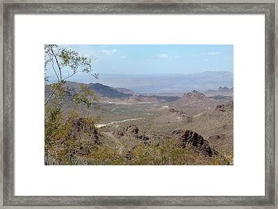 Framed Print featuring the photograph Near Oatman by Gordon Beck