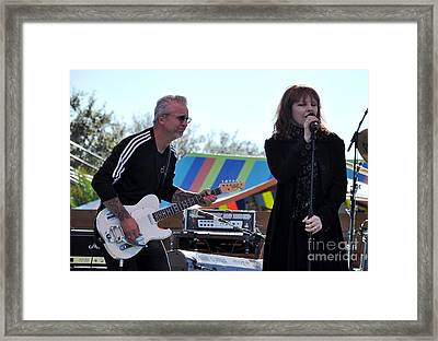Neil Giraldo And Pat Benatar Framed Print by John Black