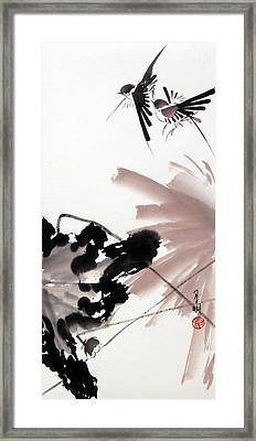 Nesting From Dawn To Dusk Framed Print by Ming Yeung