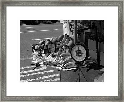 New York Street Photography 62 Framed Print by Frank Romeo