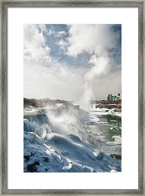 Framed Print featuring the photograph Niagara Falls 4601 by Guy Whiteley