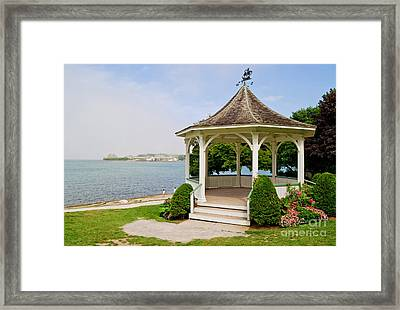 Niagara On The Lake Gazebo 2014 Framed Print by Maria Janicki