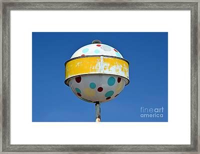Norge Ball Framed Print