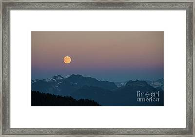 North Cascades Full Moonrise Framed Print by Mike Reid