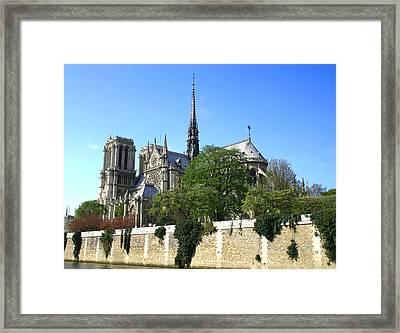 Notre Dame Framed Print by Hans Jankowski