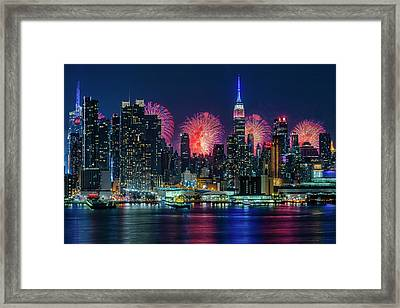 Framed Print featuring the photograph Nyc Fireworks Celebration by Susan Candelario