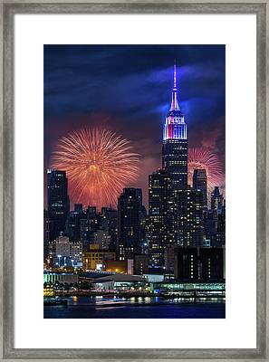 Nyc Fourth Of July Fireworks  Framed Print