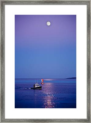 Ocean Moonrise Framed Print by Steve Gadomski
