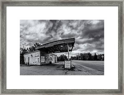 Old Auto Garage In Ellershouse Framed Print by Ken Morris