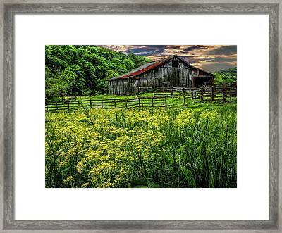Old Barn 2 Framed Print